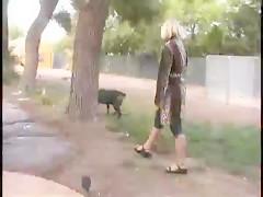 Mamada rapida para el perrito